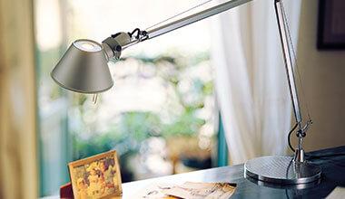 Klasyczna designerska lampa stołowa Tolomeo Tavolo