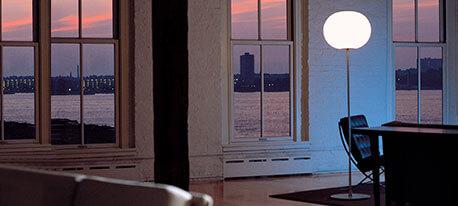 Designerska lampa stojąca Glo-Ball F2 firmy FLOS