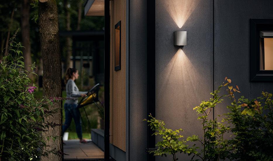 Cistus - kanciasty kinkiet zewnętrzny LED ze stali (7531925)