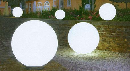Lampa Snowball biały z podstawą aluminiową 30 cm (3050023)