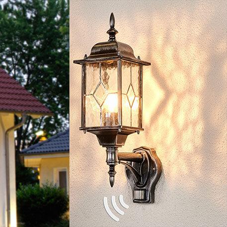Oswietlenie zewnetrzne z czujnikiem