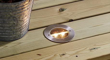 Okrągła oprawa słoneczna z wbudowaną oprawą oświetleniową LED Okrągła oprawa słoneczna z wbudowaną oprawą oświetleniową