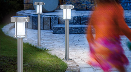 Słupki oświetleniowe: praktyczne drogowskazy w nocnym ogrodzie